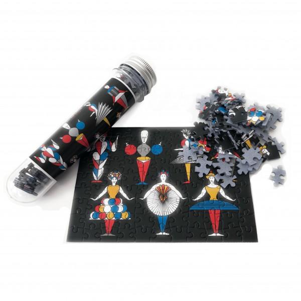 micro puzzle . TRIADIC BALLET