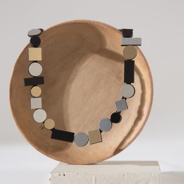 necklace . BAUHAUS . ISKIN . round